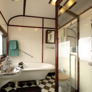 RVR RoyalBathroom LRes